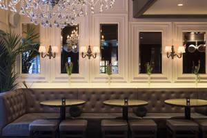 Gee's Bar & Brasserie