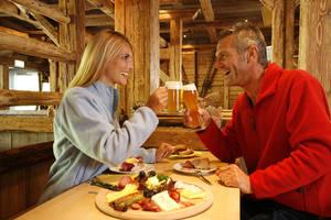Hasenstall (Winter- Apres Skibar/ Sommer-Pizzeria)
