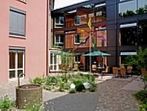 Café-Rosen im Seeheim Höri