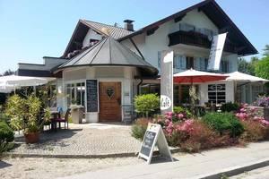 Café Purzelbaum mit Bioladen