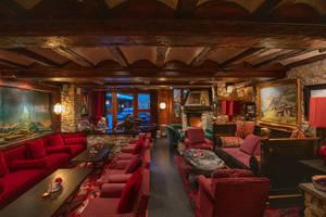 Alex Lounge & Cocktail Bar