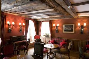 Edward's Bar