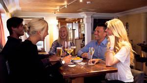 Julen Lounge Bar