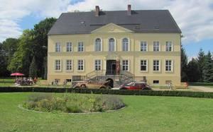 Bomsdorfer Schlossgaststätte & Pension