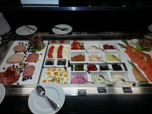 Auswahl beim Frühstück, © THOMAS Hotel Spa Lifestyle