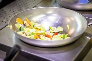 Gemüse aus dem Wok, © Alex Kitchen