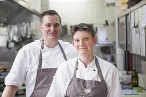 Köche Christian Münch-Buchna und Celine Weisse im Landhotel Saarschleife
