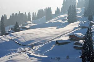 Zugang über den romantischer Winterwanderweg