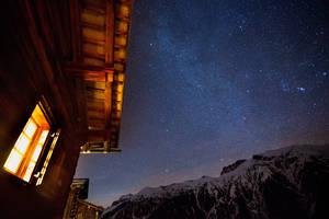Wenns ringsum dunkel ist, leuchten die Sterne ungwohnt intensiv!