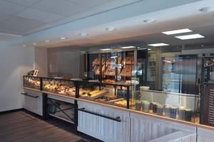 Einladende Auswahl in der Husumer Filiale (c) Meyer's Bäckerei