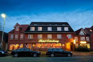 Hotel-Restaurant Osterkrug im abendlichen Glanz, © Foto Oliver Franke / Hotel Osterkrug