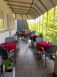 Der Außenbereich des Cafés
