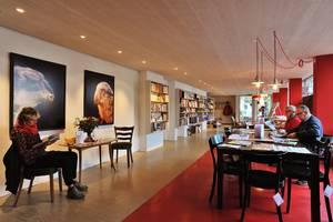 Lesecafé & Kulturbar BSINTI