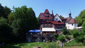 Schloss-Cafe with terrace_Copyright Schloss-Cafe Freiburg