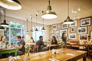 tialini dining room_Copyright tialini Foto Dirk Kittelberger