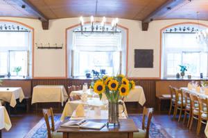 Roter Bären dining room