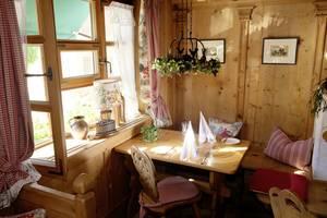 Dorfstube im Romantik Hotel | Restaurant Hirsch