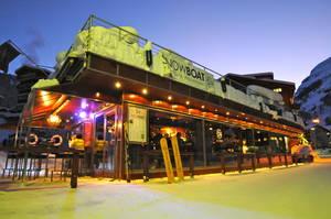 Snowboat Bar