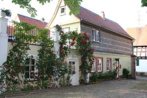 Auf dem Anwesen Domdechant Werner