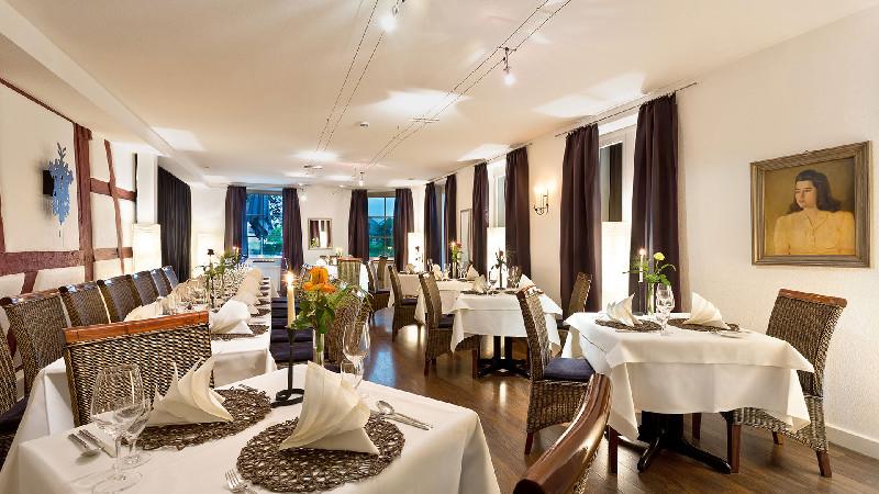 Ganter Hotel & Restaurant Mohren/eingedeckte Tische im Abt-Strabo-Saal - © Ganter Hotel & Restaurant Mohren