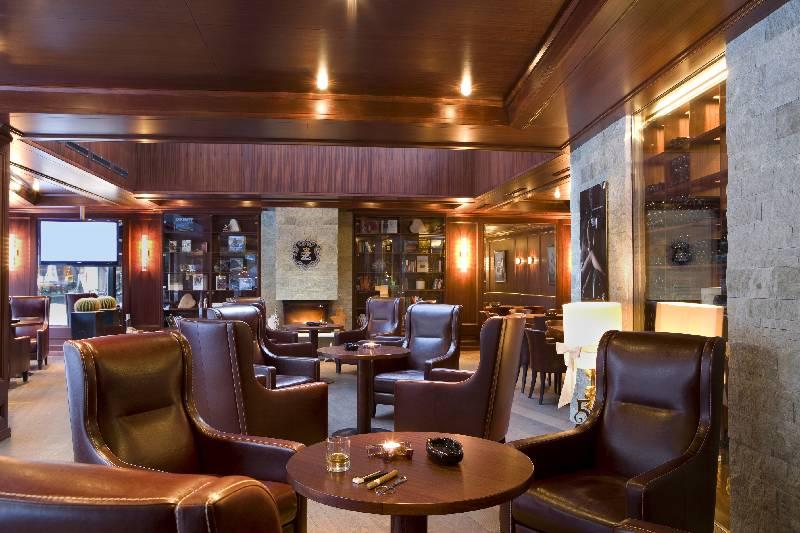Restaurant Alpenhof Cigar Lounge Zermatt Suisse