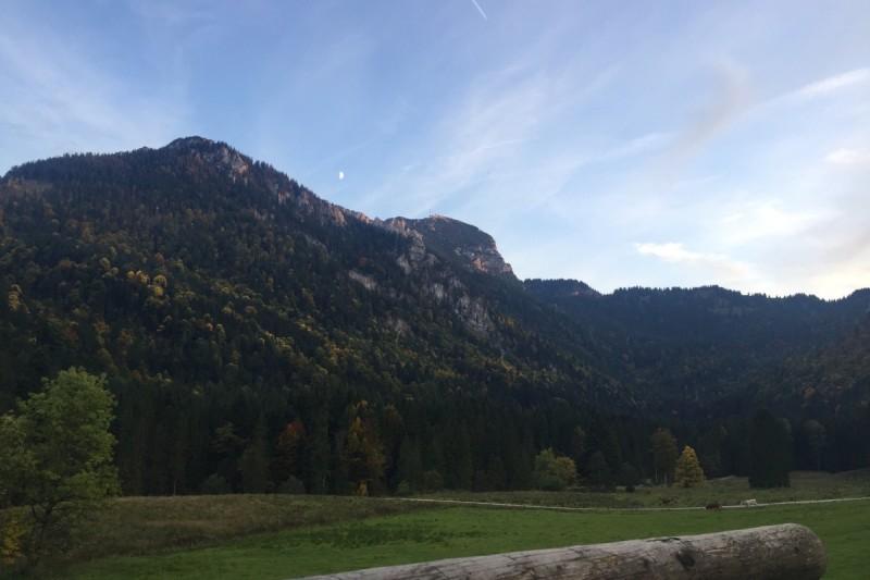 Blick auf den Wendelstein von der Wirtsalmterrasse - © Chiemsee-Alpenland Tourismus