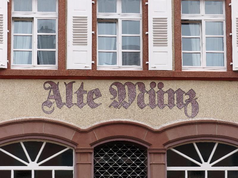 Alte Münz