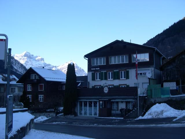Hotel Hefti Winteransicht
