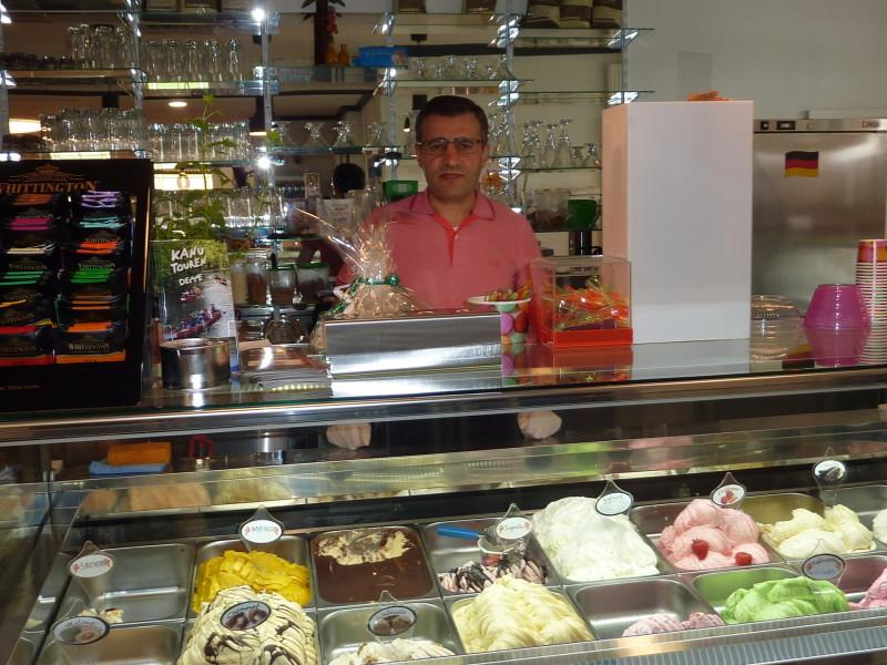 Eis & Cafe Bella