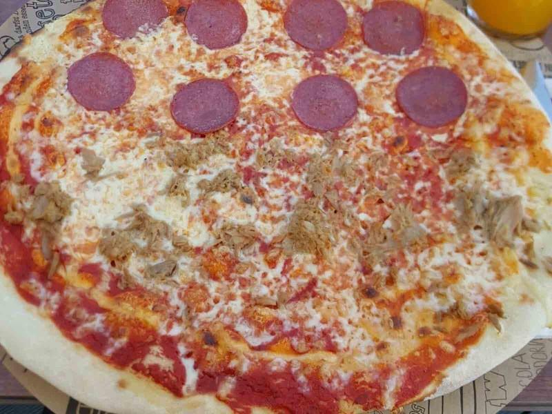 Pizza (Beispielbild)