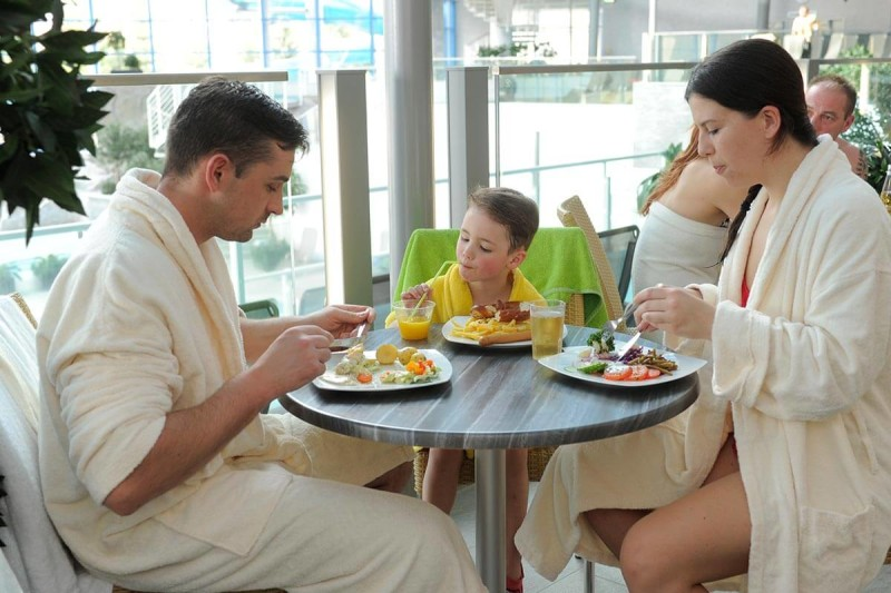 Familien-Bistro im H2Oberhof Wellnessbad