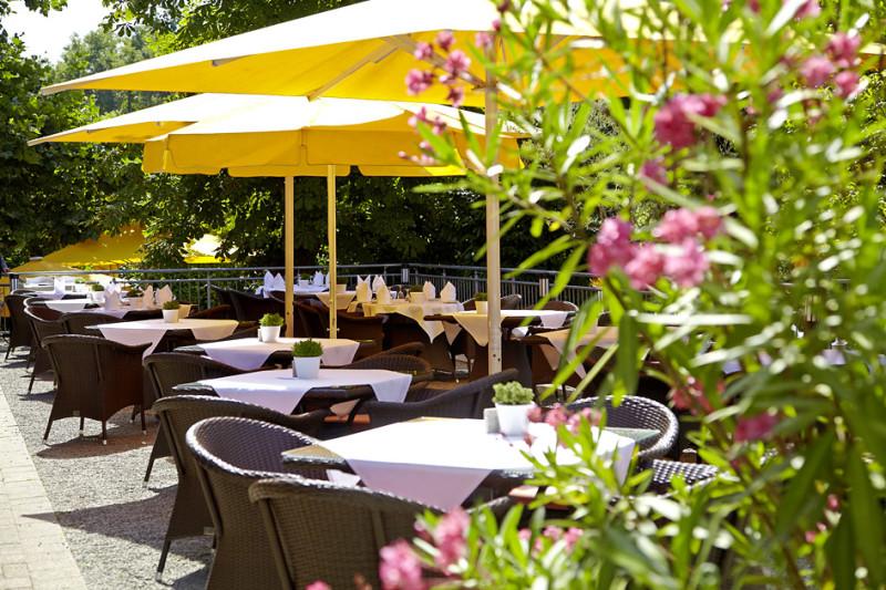 Terrace Clarion Hirschen Restaurant