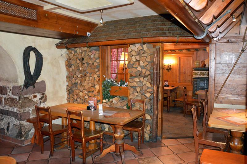tacheles freiburg tourism. Black Bedroom Furniture Sets. Home Design Ideas