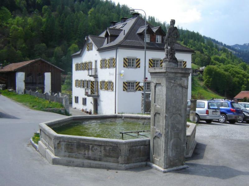 Restaurant Ritterhof Fideris im Sommer