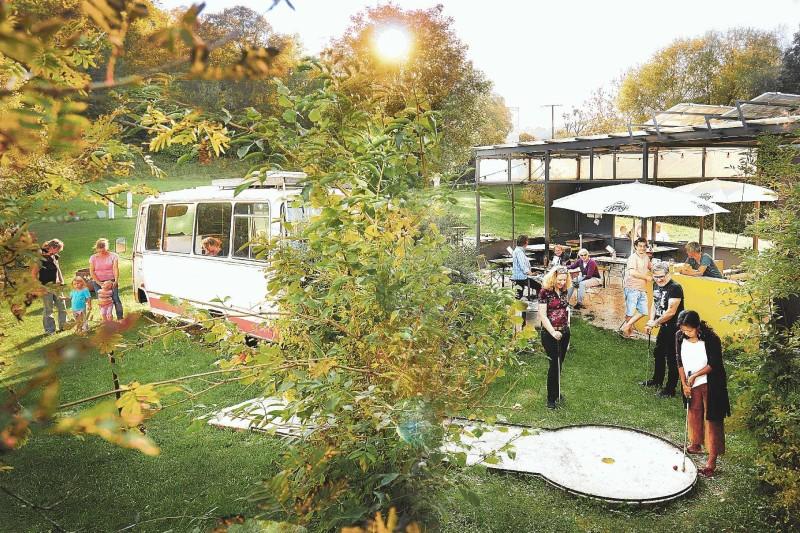 Freiluft-Café und Biergarten - Bild 1