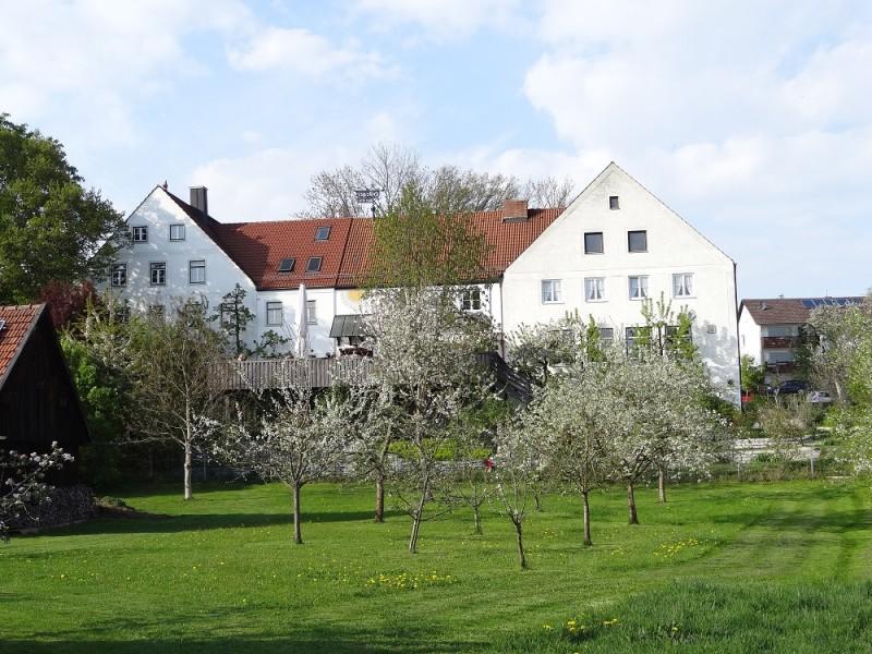 Hörger Biohotel_Außenansicht (Südseite) mit Terrasse der Hörger Biohotel Tafernwirtschaft