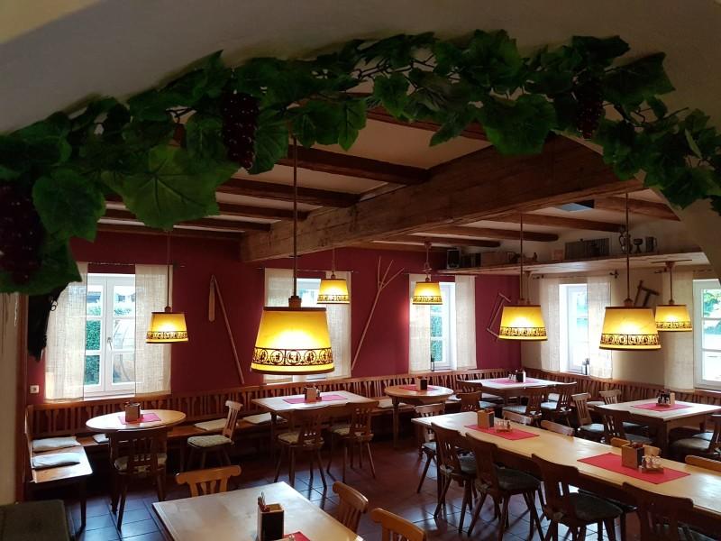 Gemütliche Gaststube vom Heurigen im Gasthaus zum Löwen Freising