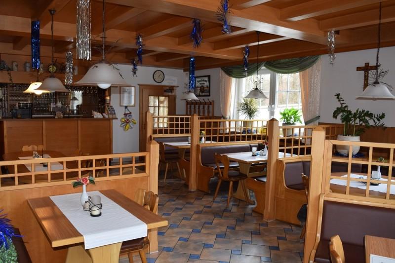 Gemütliches Restaurant im Gasthaus zur Länd