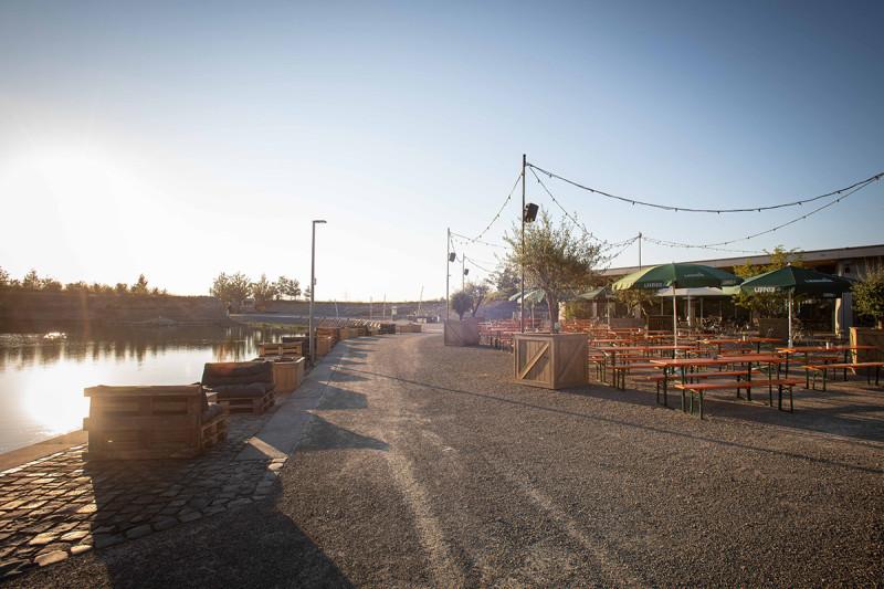 Biergarten & Lounge direkt am See © Schieferhaus - Genuss am See