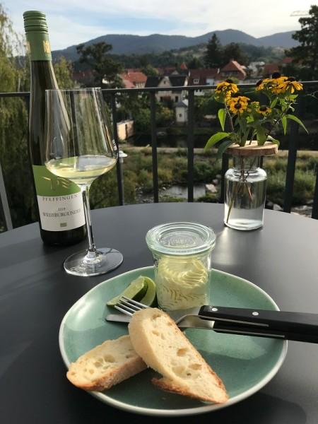 Hausgemachter Aufstrich und Weingenuss